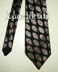 Benerasi Necktie by Kaarukriti