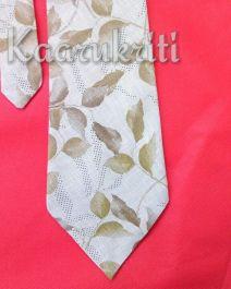 Leafy Necktie by Kaarukriti